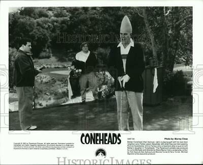 """1993 Press Photo A scene from the comedy film, """"Coneheads"""" - spp17694"""