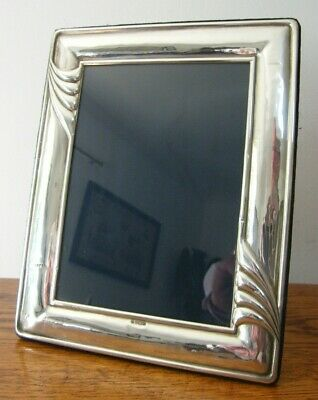 """A HALLMARKED SHEFFIELD 1993 SOLID SILVER PHOTO PICTURE FRAME 9.5"""" x 7.5"""" INCHES"""