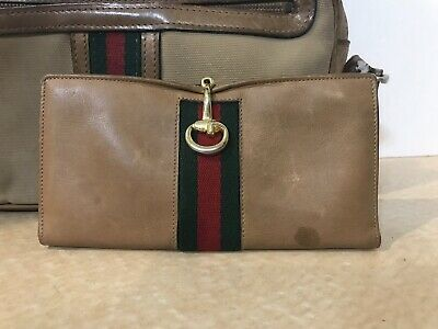 eb3a40f9de8 VINTAGE GUCCI HORSEBIT Red Green Brown Italy Leather Wallet ...