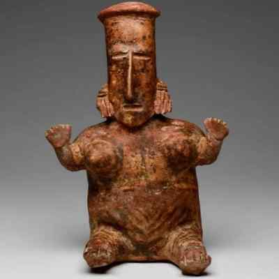 Choice JALISCO Seated Female Figure, Precolumbian, Colima Mayan MAKE AN OFFER
