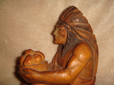 ANTIQUE 322.8 gr. HAND CARVED & PAINTED HARD WOOD NATIVE AMERICAN CHIEF FIGURE