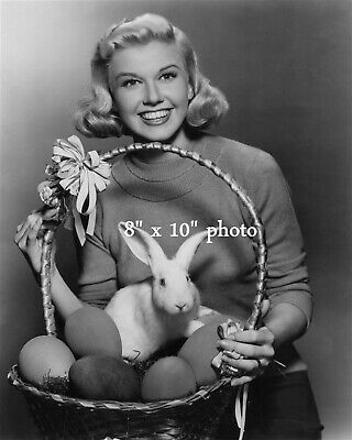DORIS DAY HOLLYWOOD photo with EASTER BUNNIES 141