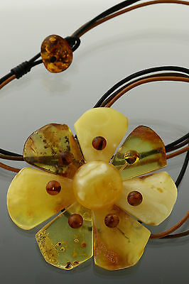 Genuine BALTIC AMBER FLOWER Pendant Necklace on Leather String 20.1g f170405-2