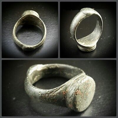 Byzantine Silver White Metal Ring With Chevron Designs 5th-9th century A.D.