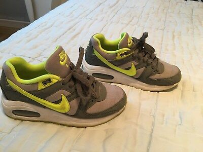 sports shoes 84882 7e922 Veritable Chaussure Nike Air Gris et Jaune fluo pointure 36 bon etat