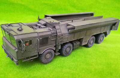 Modelcollect AS72126 Russian 9K720 Iskander-M Tactical ballistic missile MZKT ch