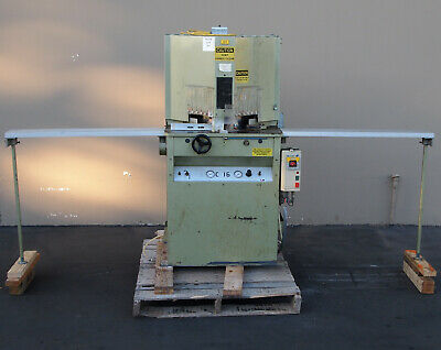 Brevetti C16 Double Miter Saw (Woodworking Machinery)