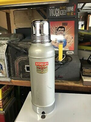 VINTAGE STANLEY SUPER VAC THERMOS  N944 GREEN / CHROME Nice Condition With Cork