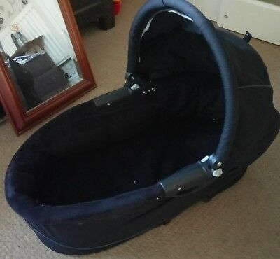 Quinny Buzz Dreami Carrycot in Black (No Apron)