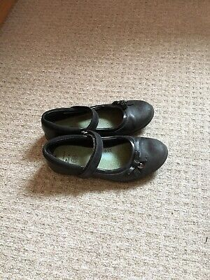 Girl's Clarks school shoes size  2F