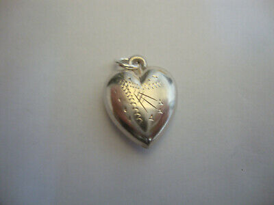 Nice old vintage 1930's 1940's retro  925 sterling silver love heart pendant