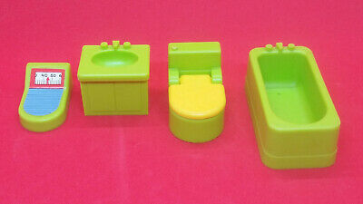 Vintage Fisher Price Little People Bathroom Green Sink Tub Toilet (Lot of 4)