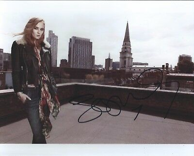 Sophie Turner Gorgeous Game of Thrones Signed Authentic Autographed 8x10 Photo