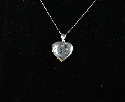 "925 Silver Vintage Hand Chased Filigree Heart Picture Locket Pendant w/ 15""chain"