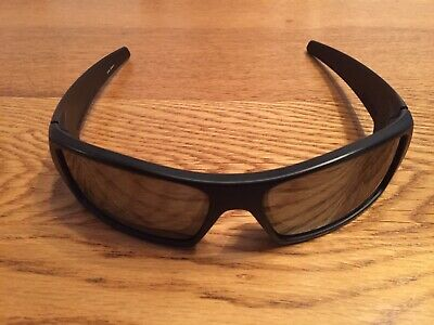 78ef3ee6f1c55 Oakley 12-856 POLARIZED GASCAN Matte Black Iridium Lens Mens Rare  Sunglasses .