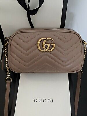 06836a8e095 GUCCI DUSTY ROSE Pink Leather Marmont mini bag with gold tone ...