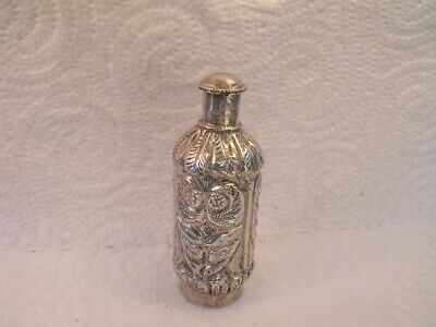 Silver Metal Snuff Bottle.