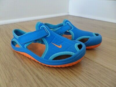 33612652c0b0 Boy s Nike Sunray Protect Sandals. Excellent Condition.