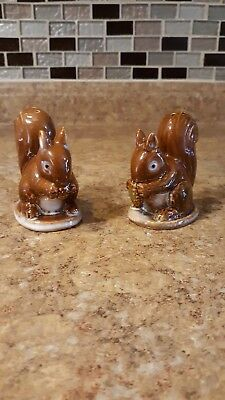 Decorative Collectibles Vintage Salt And Pepper Shakers Set 1112 Cat And Squirrel Gold Accents