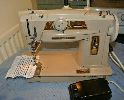 Singer 401G Slant O Matic Vintage Sewing machine