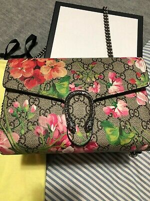 c41e7c1a8 AUTH GUCCI GG Blooms Supreme Backpack Bag PVC Leather Pink Red Beige ...