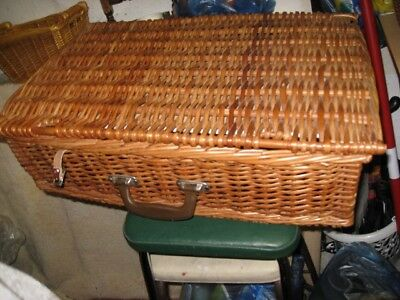 Wicker Picnic Basket in Excellent Condition