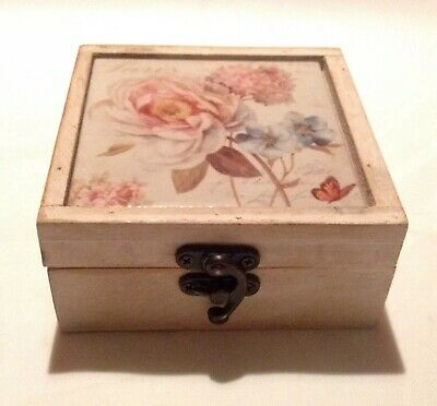 Pretty shabby chic White Wooden Tile Topped Floral Jewellery Trinket Box