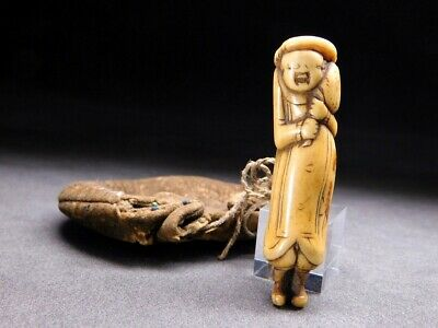 FINE Stag horn NETSUKE w Pouch Man 18-19thC Japanese Edo Antique for Inro