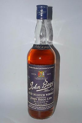 WHISKY JOHN BEGG BLUE CAP  BLENDED OLD SCOTCH WHISKY  AÑOS 70 75cl.