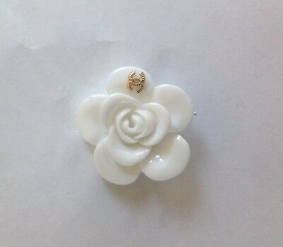 VINTAGE CHANEL WHITE FLOWER BUTTONS SIZE 1,5 in