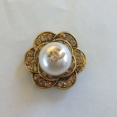 VINTAGE CHANEL CRYSTAL  FLOWER BUTTONS GOLD  SIZE 1 in