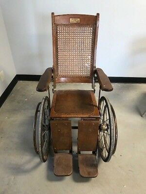 Antique / Vintage Wheel Chair