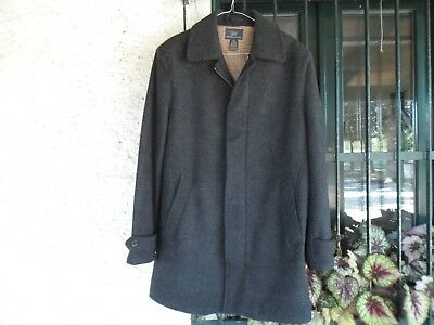 brooks brothers wool coat, size M men very warm and soft, classic gray color.