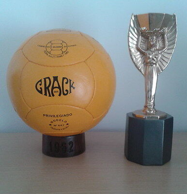 OFFICIAL MATCH BALL 1962 WORLD CUP CHILE. CRACK (Pre adidas) FOOTBALL SOCCER