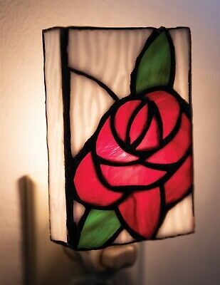 Victorian Trading Co Tiffany Rose Stained Glass Nightlight