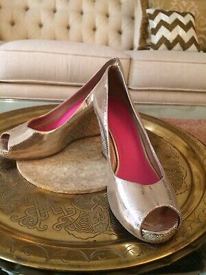 af3fb9c3f8 LILLY PULITZER Gold Snake Embossed Leather Peep Toe Shoes size 9 High Wedge  Heel