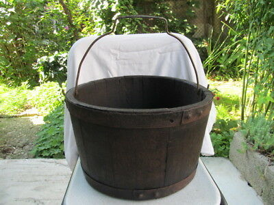 OLD ANTIQUE PRIMITIVE WOODEN BUCKET WITH HANDLE DRAW WELL 19th