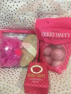 Perfectly Posh Berry Happy Bath Bombs, Chunk, Gift Bag Set EXCLUSIVE