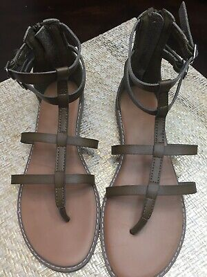 f84893c94e03 Old Navy Gladiator sandals Olive tan Womens Size 6 Zipper Backs VERY NICE