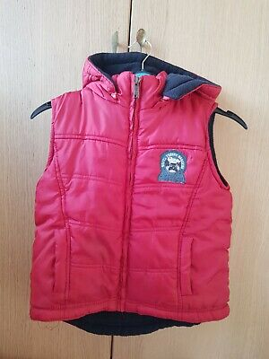 Boys sleeveless hooded jacket from Pumpkin Patch. Size 5 years to fit height 115