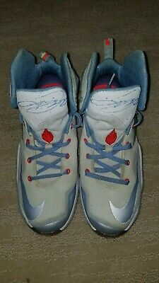 eb40d58a7fa Nike Lebron Xlll 13 XMAS GS YOUTH BOYS SHOES AUTHENTIC size youth 6 824502- 144