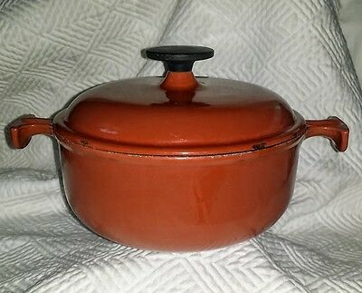Le CREUSET Enzo Mari La Mama No. 17 Covered Casserole Cast Iron BRICK 1.5 Quart