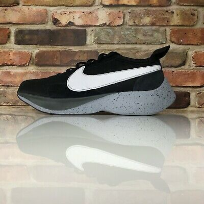 more photos cf541 6ae32 Nike Moon Racer Hommes Taille 10 Chaussures Course Noir Blanc Aq4121 001
