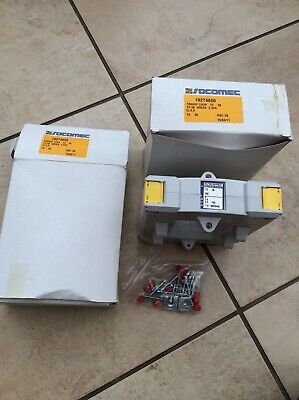 2 X NEW AND BOXED - 192T4650 Socomec Current Transformers 500/5A