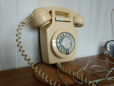 vintage/retro 1970's wall mounted telephone. Full working order.