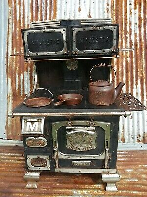 RARE Antique MAJESTIC JUNIOR 1800s Cast Iron Salesman Sample Child's Toy Stove