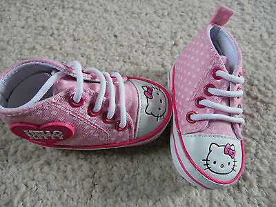 Adorable Chaussures Bebe Fille Hello Kitty Pointure 16   6 Mois  Idee Cadeau