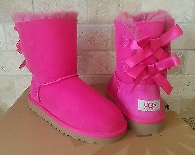 37d0bdddcfa UGG SHORT BAILEY Bow Cerise Pink Suede Boots Size Us 4 Youth Kids ...