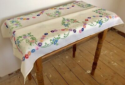 Vintage Stunning Hand Embroidered Linen Tablecloth Pretty Country Cottage No.32