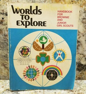 Worlds to Explore Handbook for Brownie and Junior Girl Scouts 1977 VINTAGE